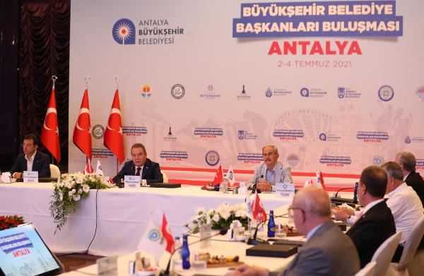 CHP'li başkanlar Antalya'da toplandı