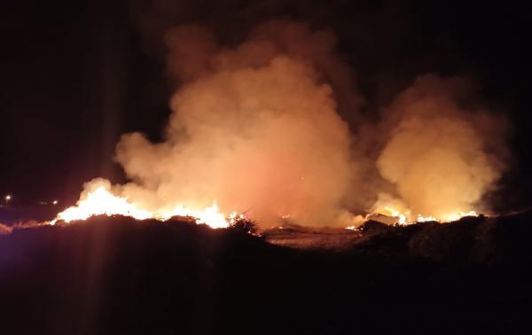 Demre'de atık yangını