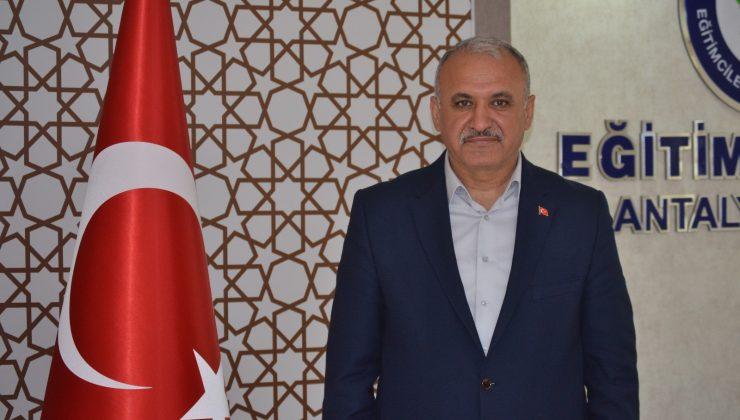 """Eğitim Bir Sen Antalya Şube Başkanı Miran: """"15 Temmuz, ihanetin milletin cesaretinde boğulduğu gündür"""""""