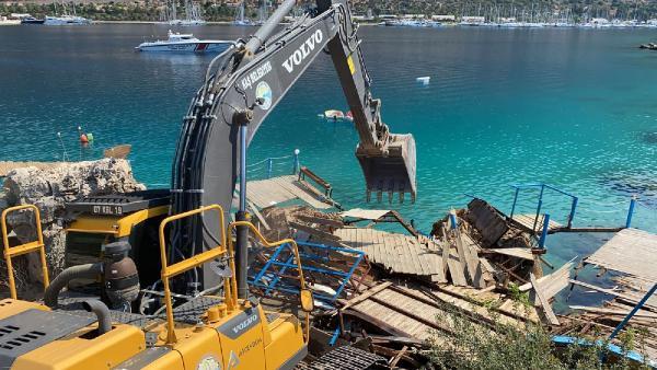 İnce Boğaz Plajı'ndaki kaçak yapılar yıkıldı