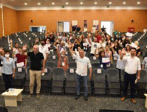 İnovasyon günlerinin girişimci adayları sertifikalarını aldı.