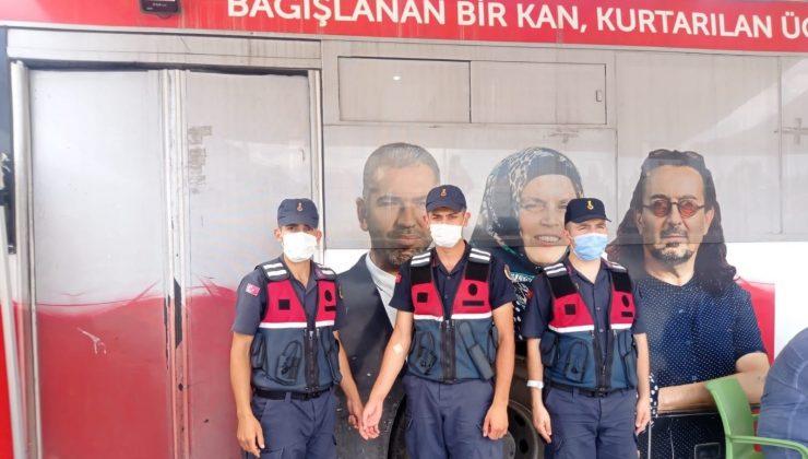 Jandarmadan Kızılay'a 25 ünite kan bağışı