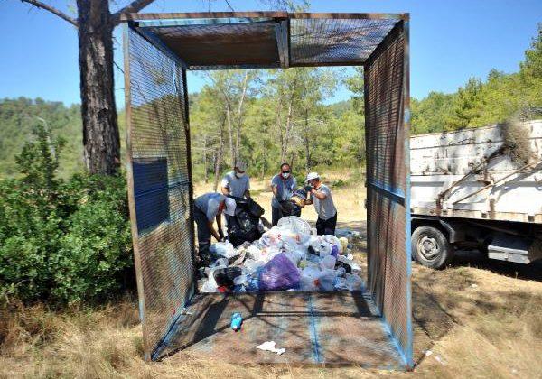 Kemer Belediyesi, çöpleri geri dönüşüme kazandırıyor