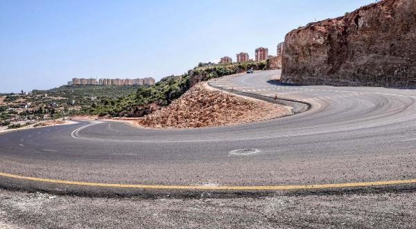 Kepez'den trafiği rahatlatan yol