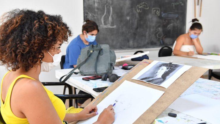 Konyaaltı'da yaz okulu 83 kursta 500 öğrenci ile yapılıyor