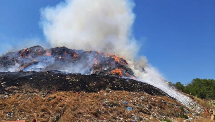 Manavgat çöp tesisinde çıkan yangın, ormanlık alana sıçramadan söndürüldü