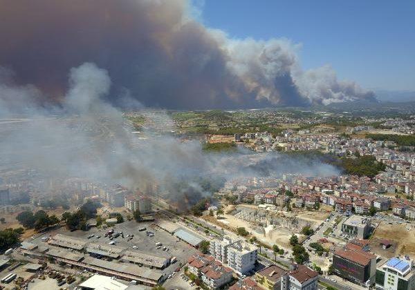 Manavgat'ta 4 ayrı noktada orman yangını (3)