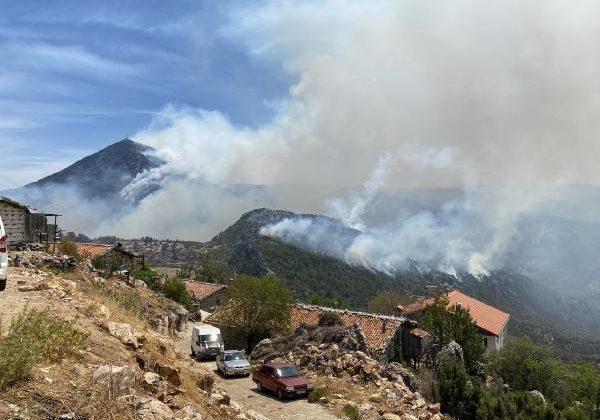 Manavgat'taki büyük yangın 4'üncü gününde; 2 orman işçisi yaşamını yitirdi (7)
