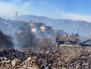 Manavgat'taki büyük yangında 2'nci gün; 1 ölü /Ek fotoğraflar