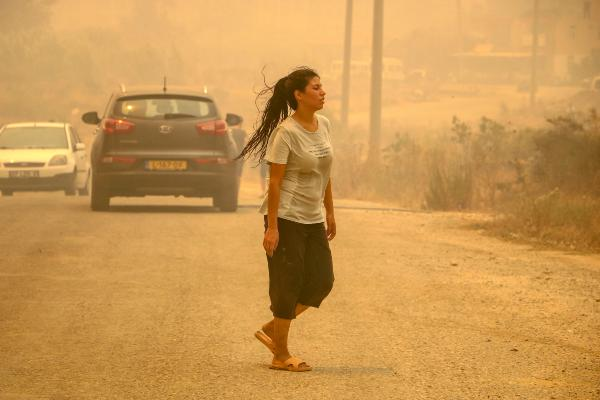 Manavgat'taki büyük yangında 2'nci gün; 3 ölü (14)