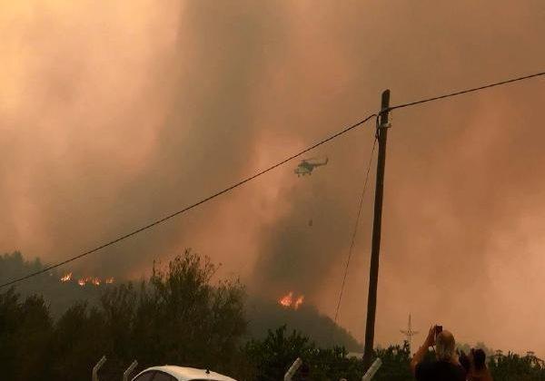 Manavgat'taki büyük yangında 2'nci gün; bir mahalle daha boşaltıldı (2)