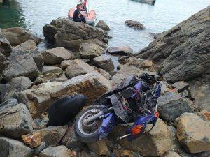 Kontrolden çıkan motosiklet uçuruma yuvarlandı:1 ölü