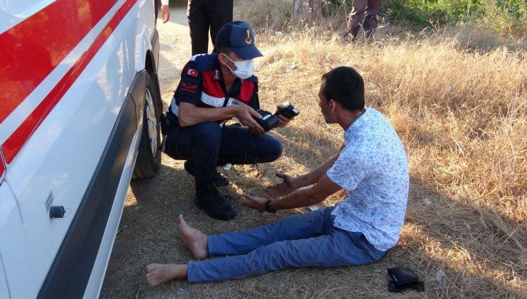 (Özel) Biri camdan fırlayan iki kişinin yaralandığı kazada jandarmanın alkollü sürücüyle imtihanı
