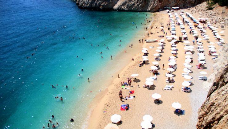 (Özel) Normalleşmeyle birlikte dünyaca ünlü Kaputaş Plajı'na yoğun ilgi