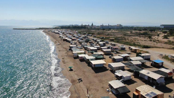 """(ÖZEL) Otellerin yüzde yüz dolu olduğu Antalya'da, 5 yıldızlı denize sıfır """"Çardak Beach"""" tatili"""