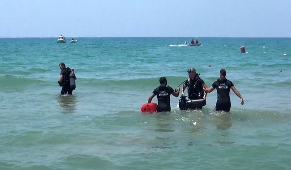 Sahilde fotoğraf çektirip denize giren liseli Barış, kayboldu (2)