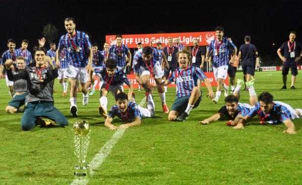 TFF U19 Süper Lig'de şampiyon Trabzonspor