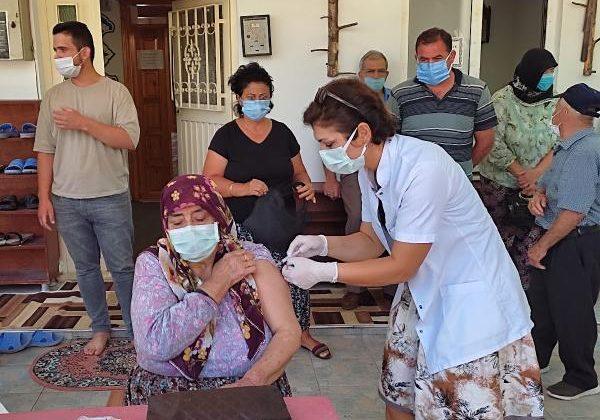 Yaşlılar aşılarını yaylada oldu