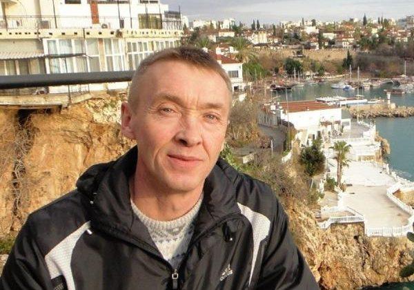 Yerleşik Rus, yalnız yaşadığı evinde ölü bulundu