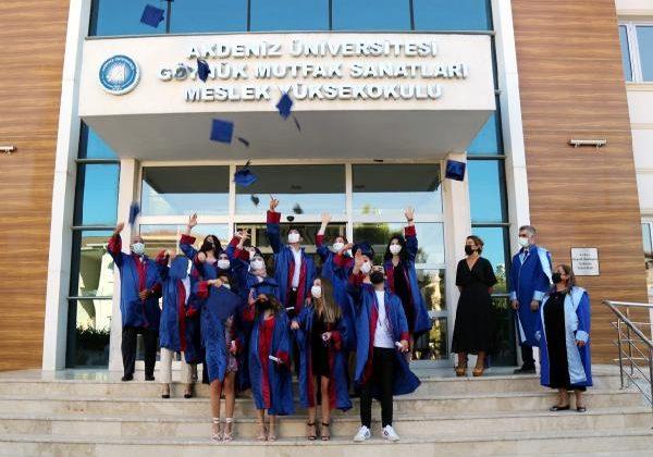 Akdeniz Üniversitesi'nde çevrimiçi mezuniyet