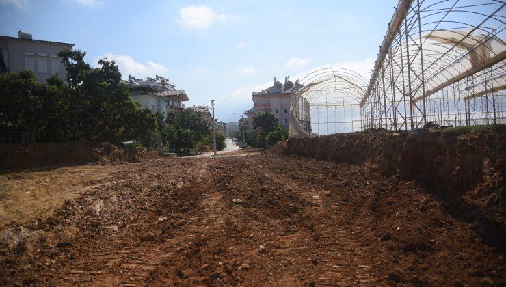 Alanya Belediyesi'nden Oba ve  Karakocalı'da yol çalışması
