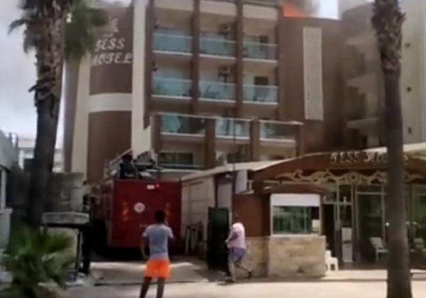 Alanya'da otel çatısında yangın