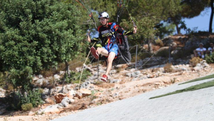 Alanya'da yamaç paraşütü heyecanı başladı