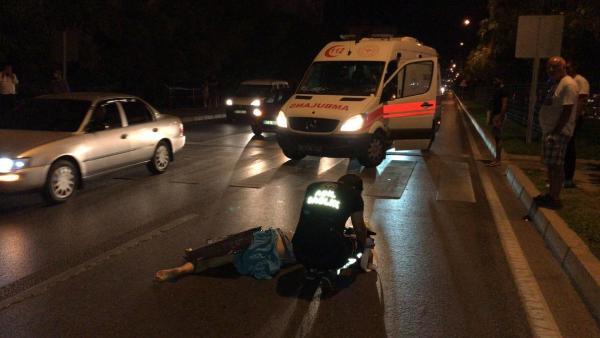 Alanya'da yaya geçidinde motosikletin çarptığı Rus turist öldü