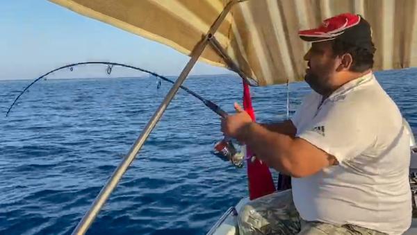 Amatör balıkçı, 30 kiloluk kuzu balığı yakaladı