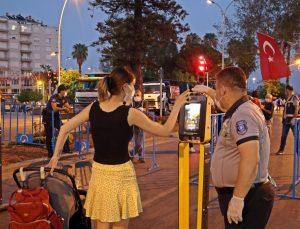 Antalya'da 'HES' kodlu fener alayı