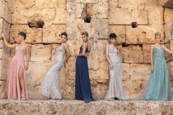 Antalya'nın tarihi ve kültürel noktalarında moda çekimi