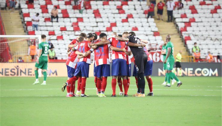 Antalyaspor 10 maçlık galibiyet hasretine son verdi