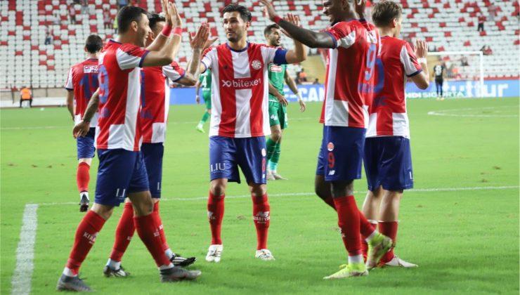 Antalyaspor'un bu sezonki 4 golünün 3 golü penaltıdan