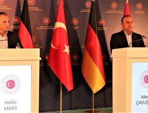 """Bakan Çavuşoğlu: """"Afganistan'da 3.5 milyon kişi yerinden edilmiş durumda"""""""