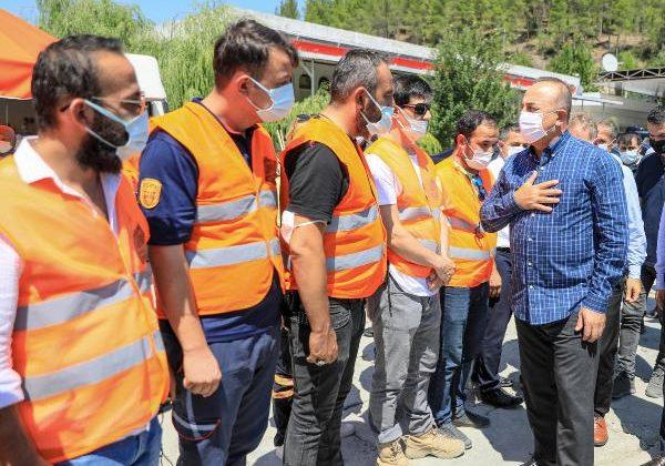 Bakan Çavuşoğlu'dan yangın bölgelerine ziyaret