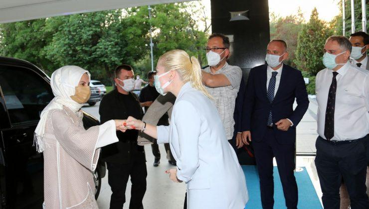 Bakan Kasapoğlu, Rektör Özkan ile bir araya geldi