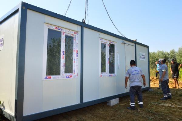Başkan Sözen'den evsiz aileye konteyner