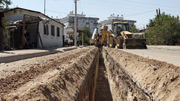 Büyükşehir, Kepez'de 135 kilometrelik alt yapı çalışmasını sürdürüyor