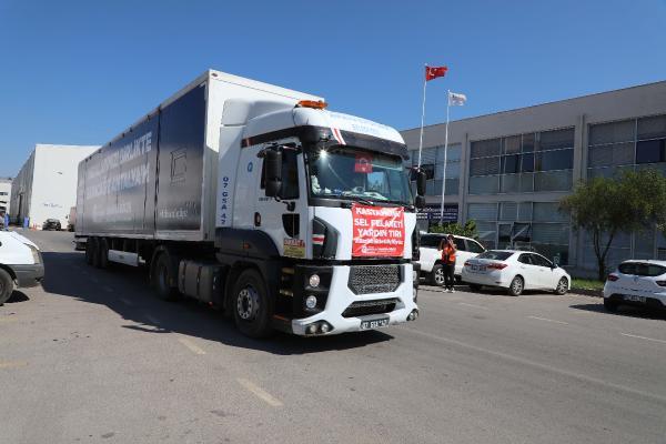 Büyükşehir'den Kastamonu'ya arama kurtarma ekibi ve yardım tırı