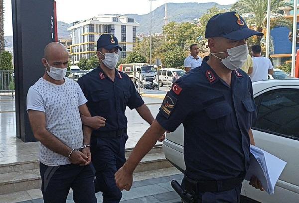 'Cin çıkarma' bahanesiyle 2 kadına cinsel istismarda bulundu, tutuklandı