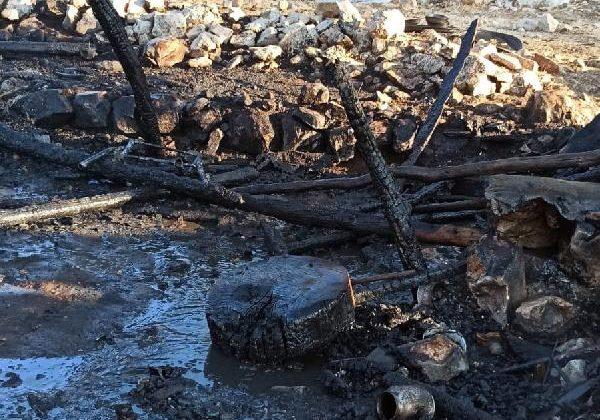 Çoban barakası yanarak küle döndü