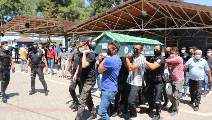 Covid-19 yenik düşen polis memuru son yolcuğuna uğurlandı