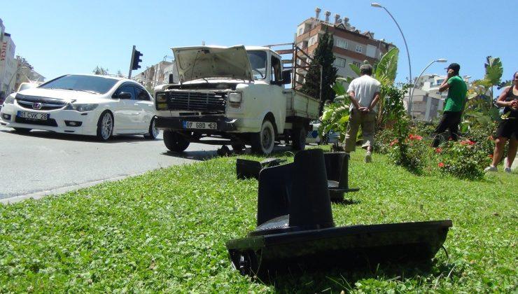 Ehliyetsiz sürücü kaza yapınca yakayı ele verdi