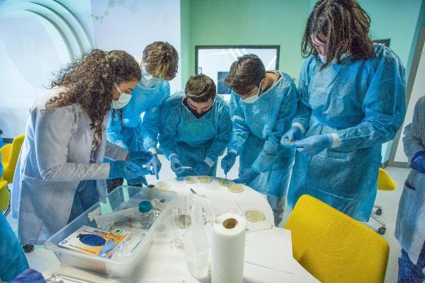 Gençler bilimin ışığında geleceğe hazırlanacak
