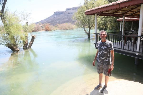 İki kez ölümden dönen Hasan: Yangından kaçarken nehirde boğuluyordum