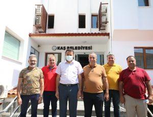 Kaş Belediye Başkanı, Silopi Görümlü Belediyesi heyeti ile bir araya geldi