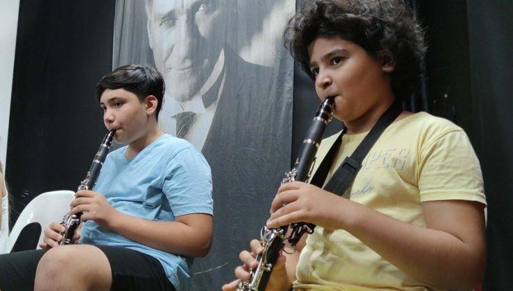 Kemer Belediyesi Çocuk ve Gençlik Bandosu, orkestra haline geldi