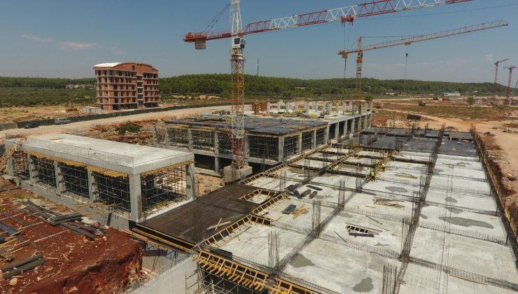 Kepez'deki, Antalya Şehir Hastanesi inşaatı yükseliyor