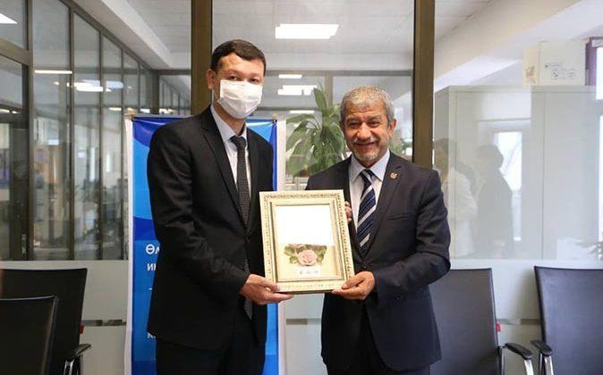 Kırgız Cumhuriyeti Devlet Televizyon ve Radyo Yayın Kurumu'ndan AGC Başkanı Yeni'ye işbirliği mektubu