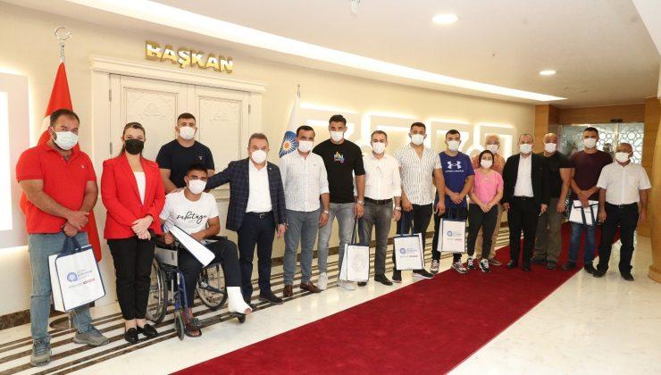 Kırkpınar'ın şampiyon takımı Başkan Böcek ile bir araya geldi